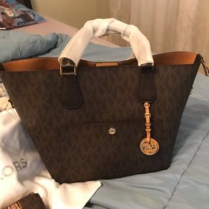 Michael Kors Greenwich tote with Adele wallet